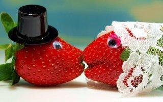 Годовщина 33 года совместной жизни — клубничная свадьба