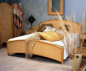 спальня в бело-бежевом тоне