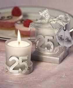 свечи с цифрой 25