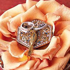 кольца на шкатулке