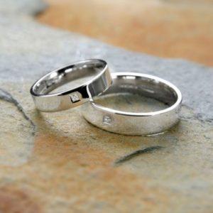 оловянные кольца с камнем