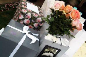 большие коробки с подарками