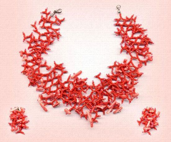 Ожерелье из красных кораллов