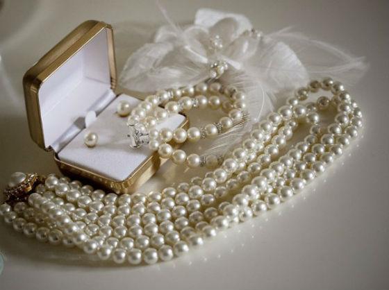 Что дарить на жемчужную свадьбу друзьям